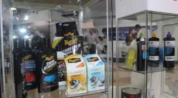 الآن منتجات Meguiar's  العالمية للعناية بالسيارات أصبحت في مراكز الشركة المتحدة لتجارة السيارات