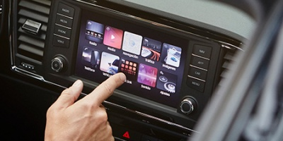 مسجل شاشة يعمل على اللمس مجهزة بـSD, USB, CD, AUX